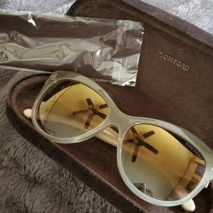 Tom Ford Lilly
